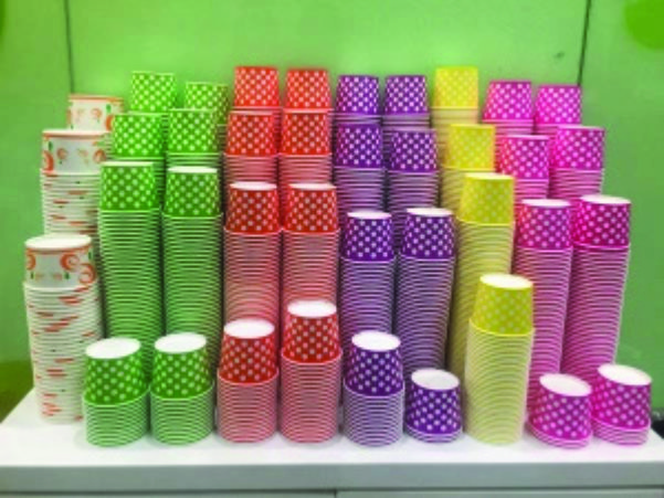 paper-bowls-stacked